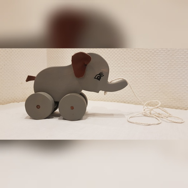 Elephant - pulling (weight 0.400kg) picture