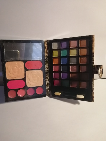 Make up purch makeup set brown picture
