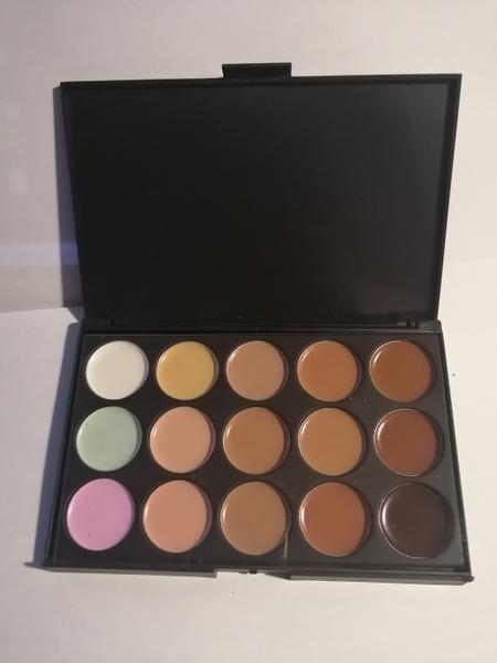 15 pcs makeup consealer picture