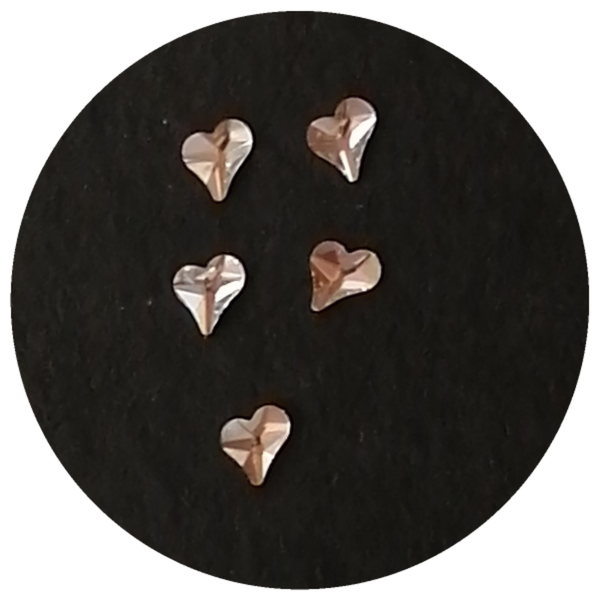 5 pcs nail charms clear hearts 4 picture