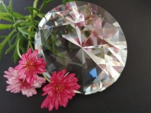 Glass diamond shape nail display  8cm picture