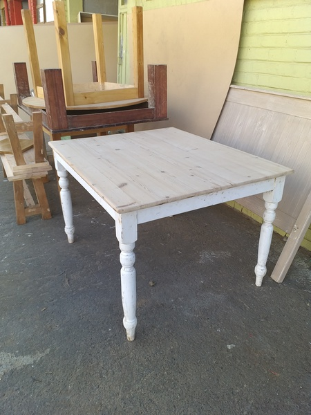 Farmhouse dining and kitchen tables picture