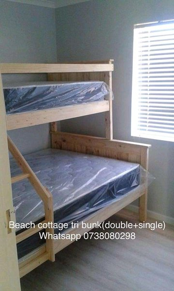 Beach cottage(tongue and groove) tri bunk beds picture