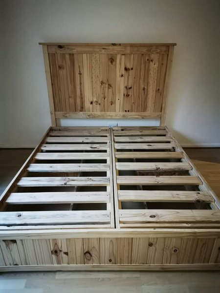 Beach cottage(tongue and groove) beds picture