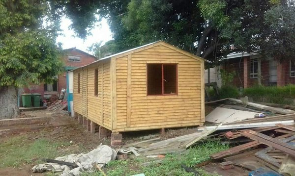 Quality affordable wendy houses picture