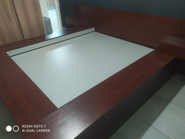 Built-in bedding picture