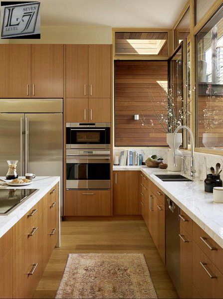 Built-in kitchen cupboards picture