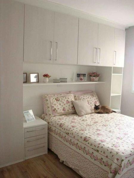 Modern bedroom picture