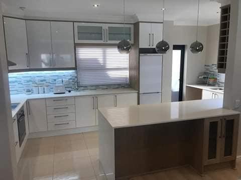 Modern built-in kitchen picture