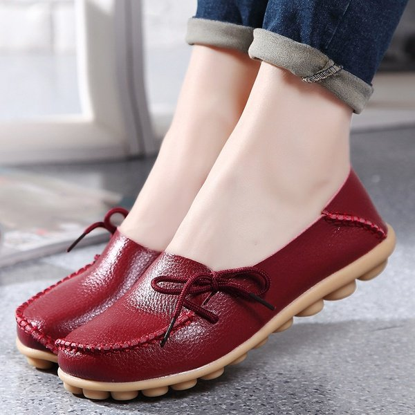 Casual women's flat nurse or mother low shoes picture