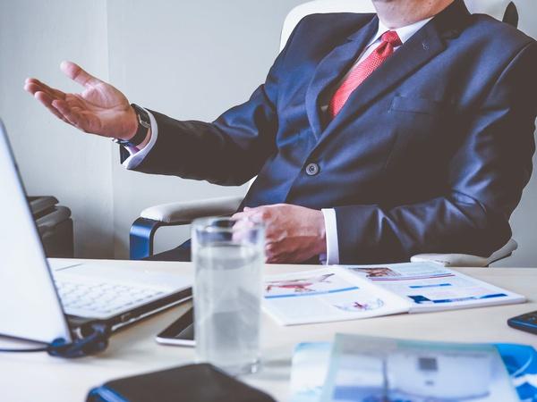 Management consultations picture