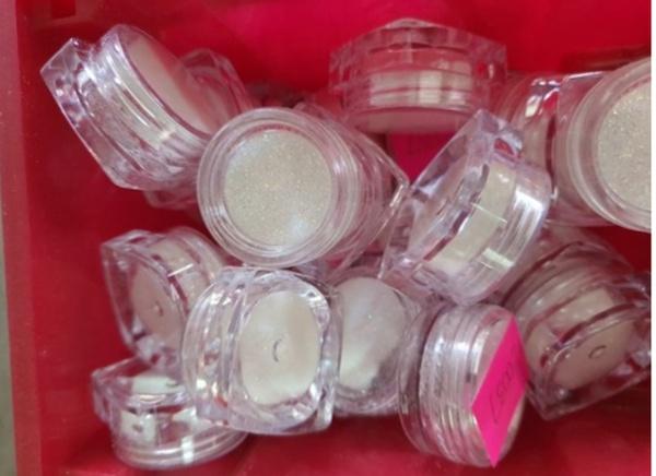 Small glitter tub white picture