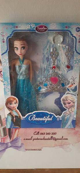 Elsa & tiara set picture