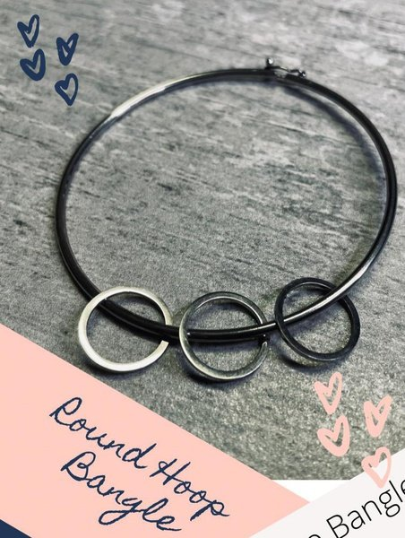 Round hoop bangle picture