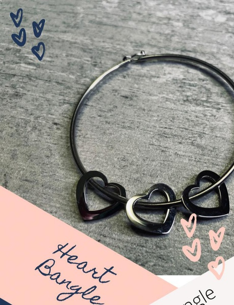 Heart bangle picture