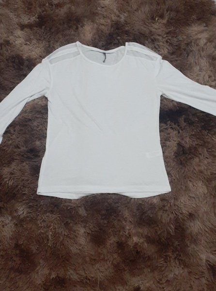 White long sleeve shirt picture