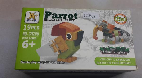 19pc lego set parrot picture
