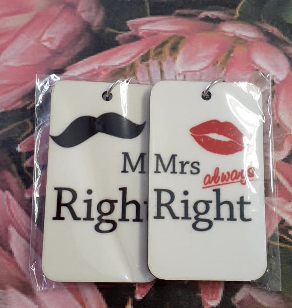 Mr & mrs key chains picture