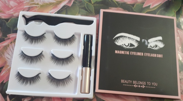 Magnetic liner & lashes picture