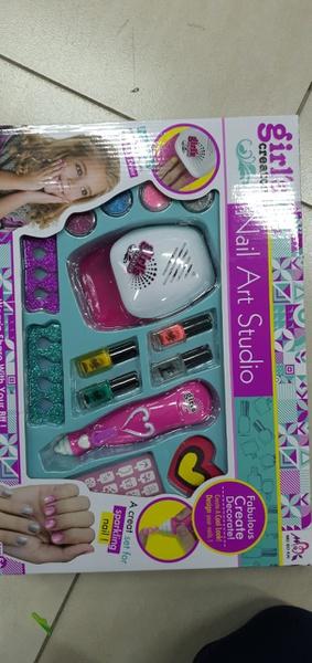 Girly nail art studio picture