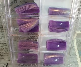 Glitter tips 70's purple picture