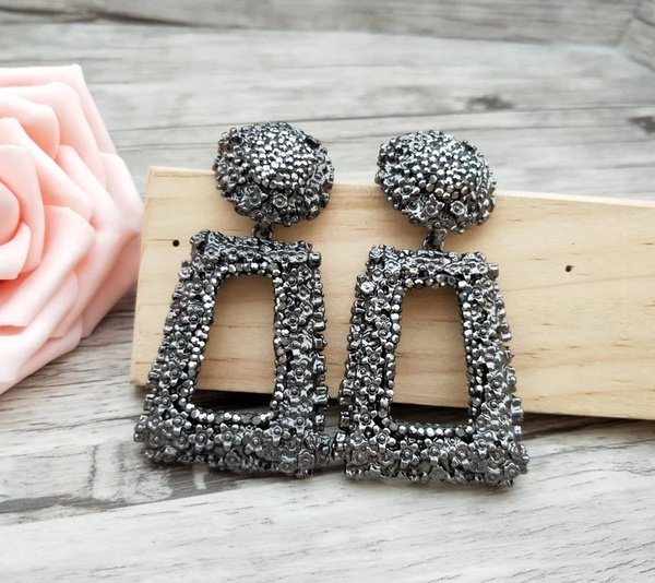 Steel button and rec earings picture