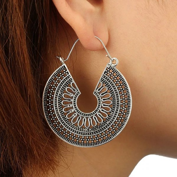 Bohemian round earings picture