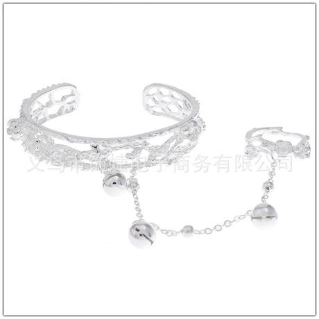 Finger bracelet picture