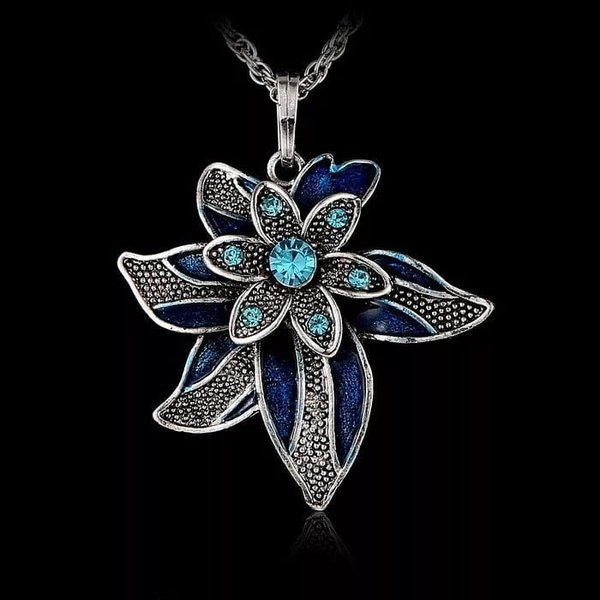 2 blue flowers necklace picture