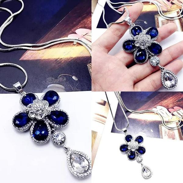 Royal blue flower necklace picture