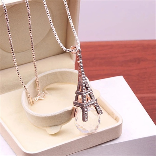 Eiffel tower necklaces picture