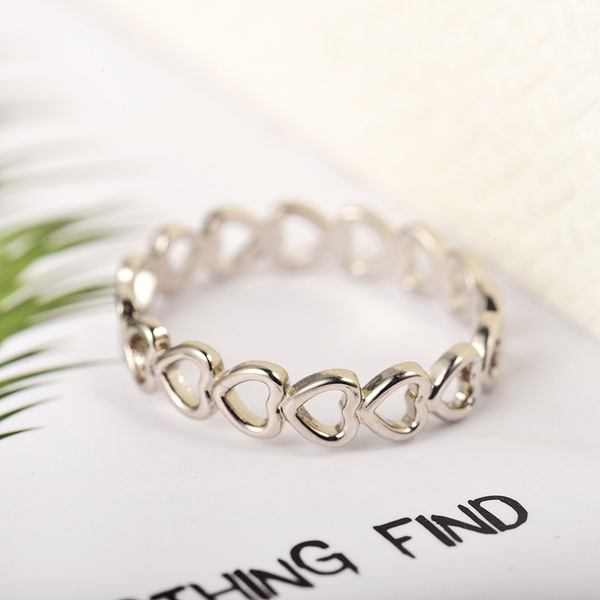 Adjustable heart ring picture