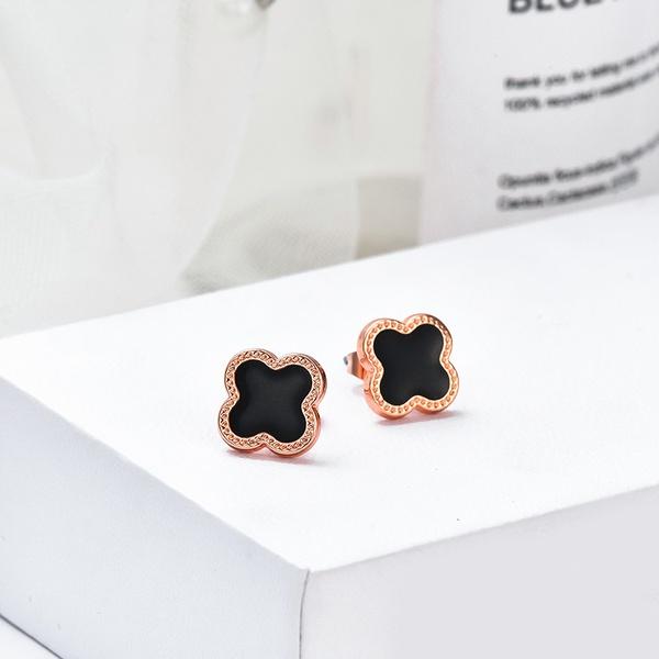 Van cleef earrings picture