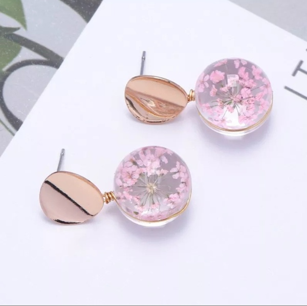 Floral earing picture