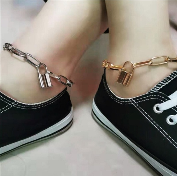 Lock anklets picture