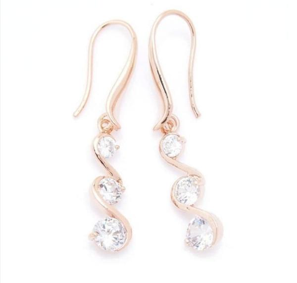 3 diamante earrings picture