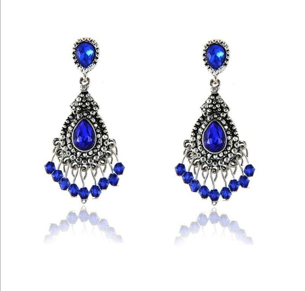 Peacock blue earrings picture