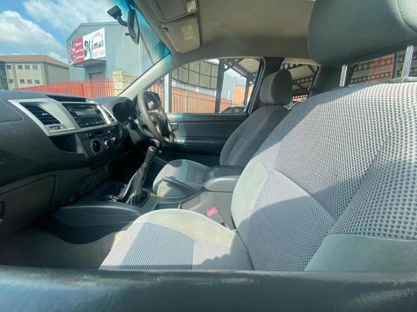2012 toyota hilux 2.5d4d xtra cab picture