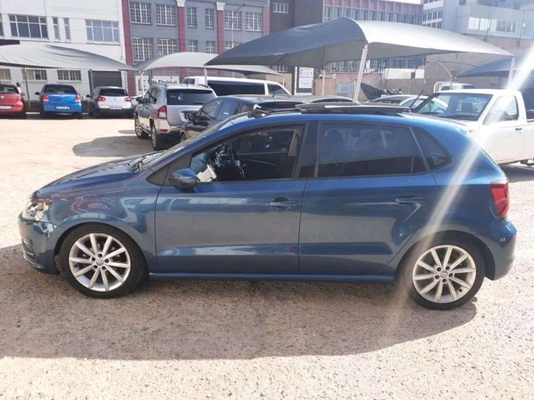2017 volkswagen polo 1.2tsi highline(62000kms) picture