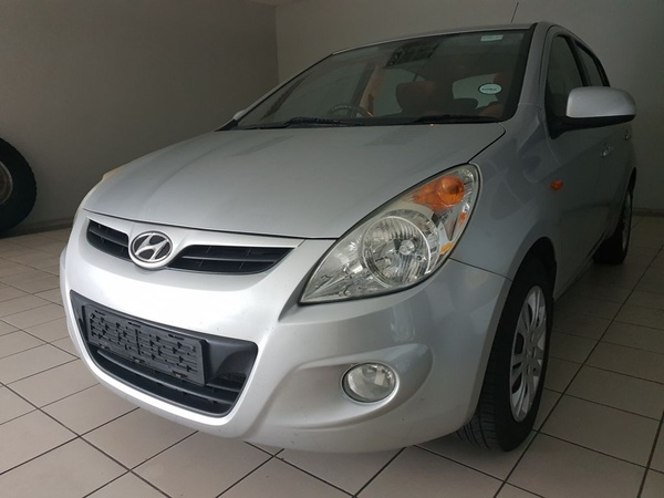 2014 hyundai i20 1.4gl(86000kms) picture