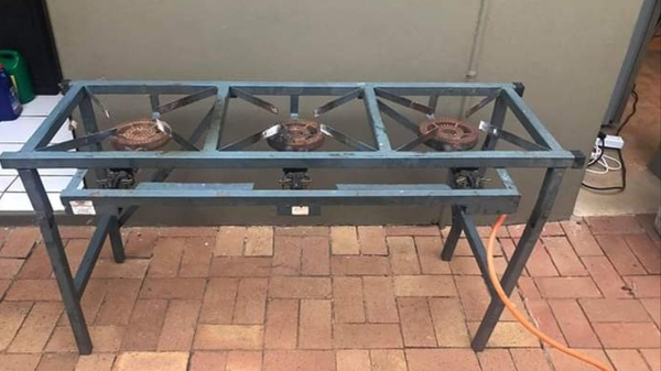 Three plate gas burner picture