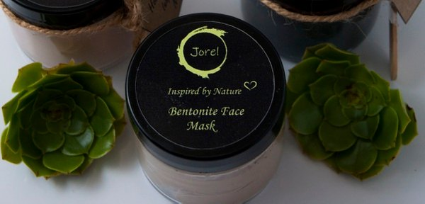 Bentonite clay mask picture