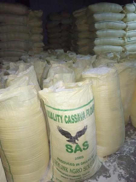 Cassava flour picture
