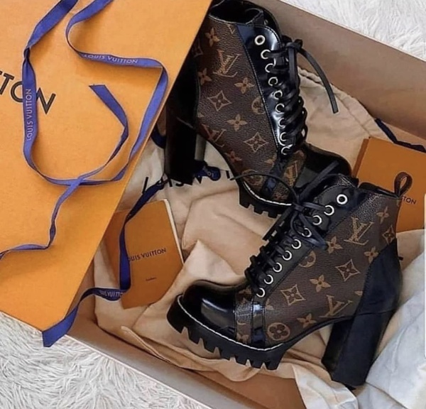Louisvuitton boots picture