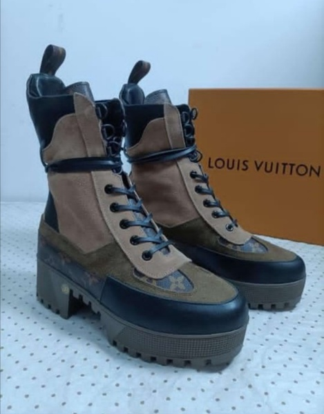 Lv hunter boots picture