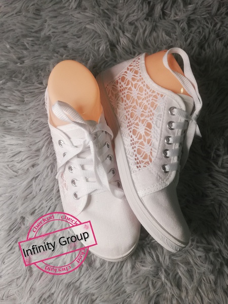 Lace tekkies white picture