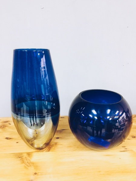 Blue vases picture