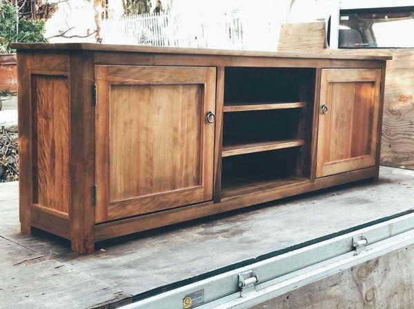 Cabinet klau picture