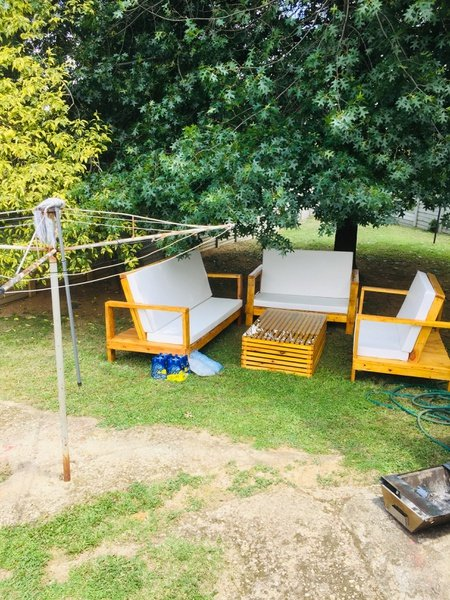The chau patio set picture