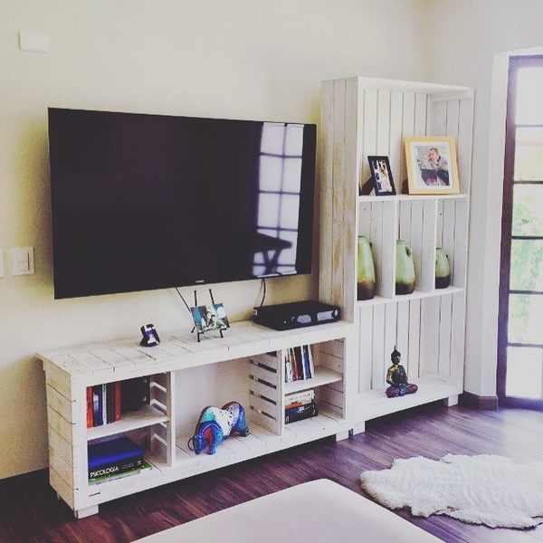 Tv unit and display unit cribbies picture